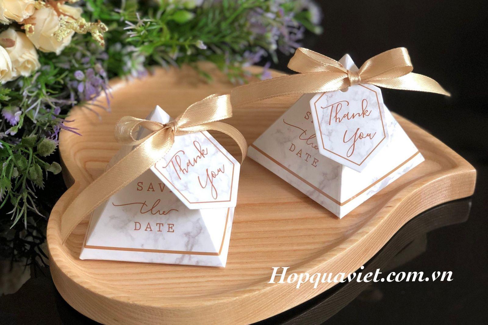 Hộp quà cưới vân đá 18TR (kèm tag thank you)