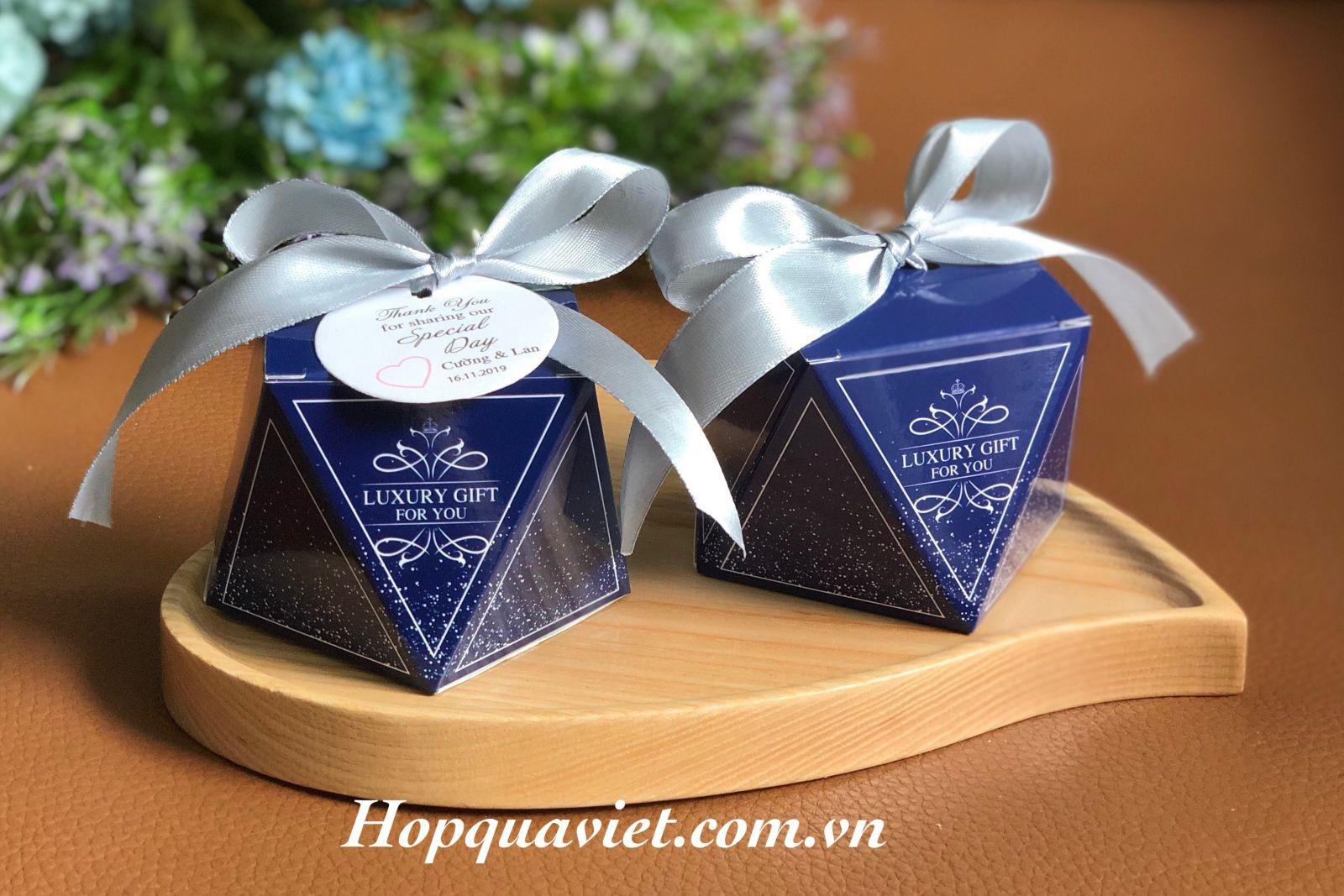 Hộp quà cưới đa giác xanh biển T5