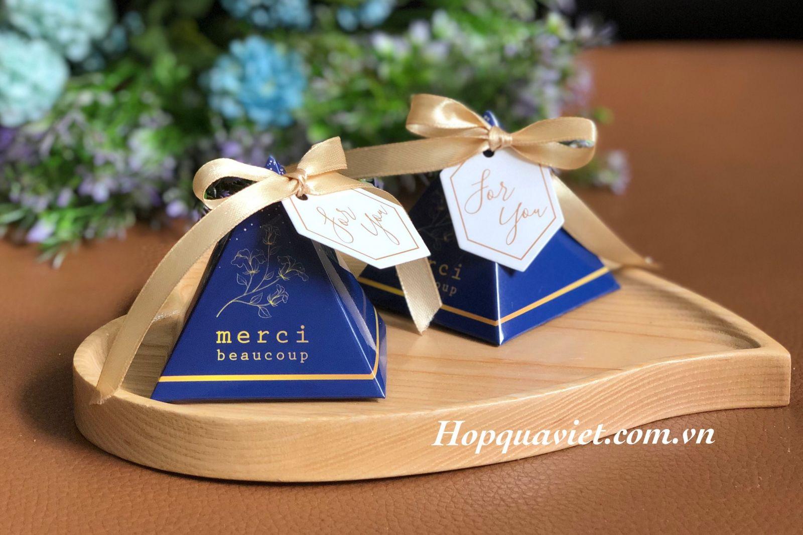 Hộp quà cưới merci 18B (kèm tag For you)