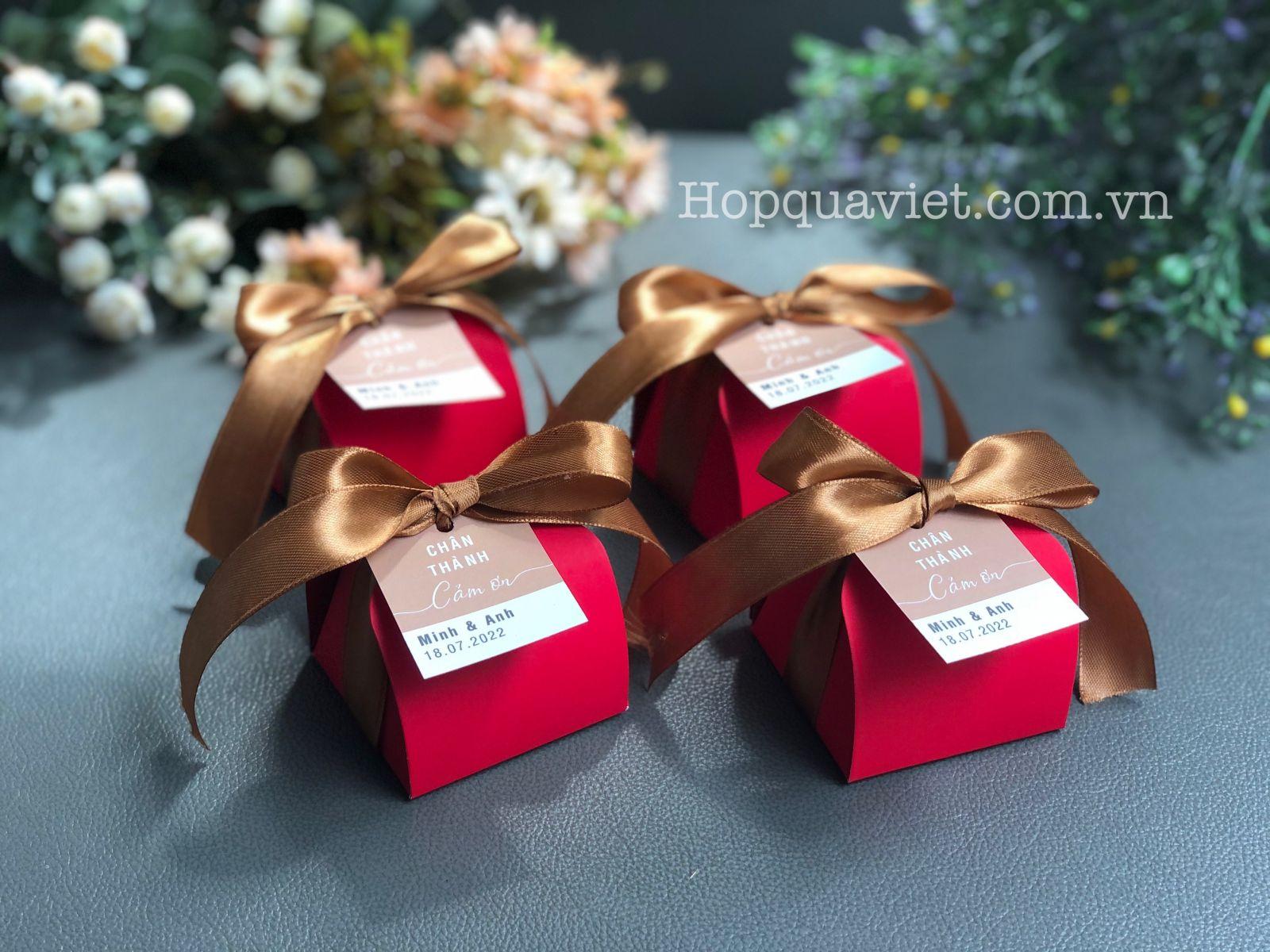 Hộp quà cưới đỏ nhung V5