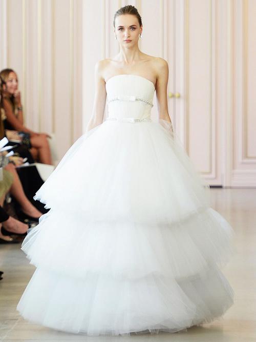 Ngắm váy cưới tuyệt đẹp từ tuần lễ thời trang váy cưới xuân hè 2015-2016