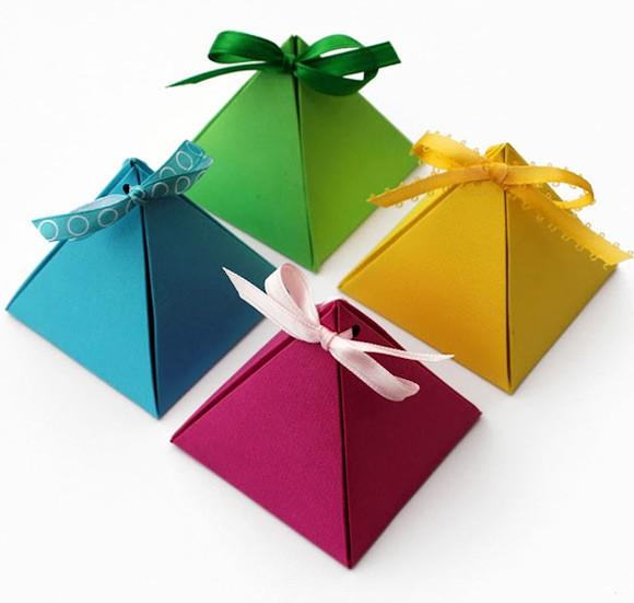 Hướng dẫn gấp hộp quà kim tự tháp dễ dàng