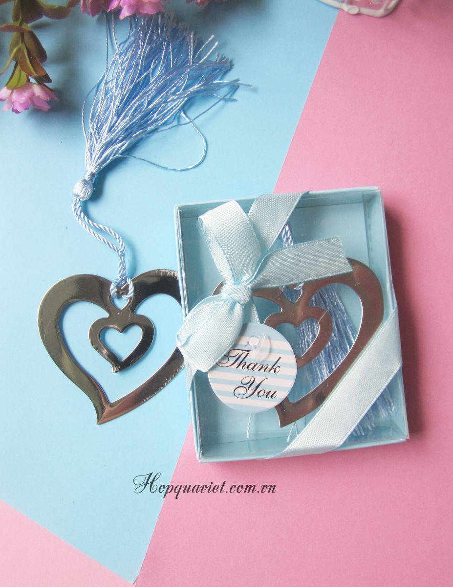 Bookmark (đánh dấu sách) trái tim