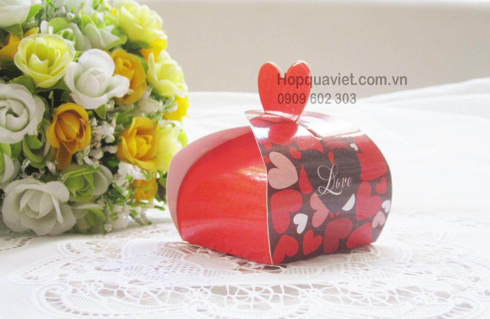 Hộp quà cưới tròn tim đỏ 6D