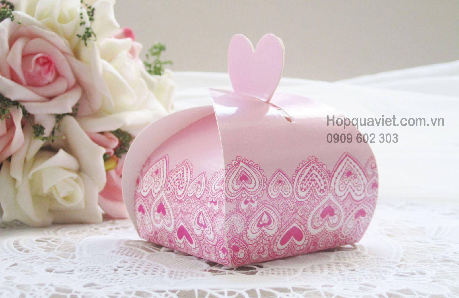 Hộp quà cưới tròn tim hồng 6H