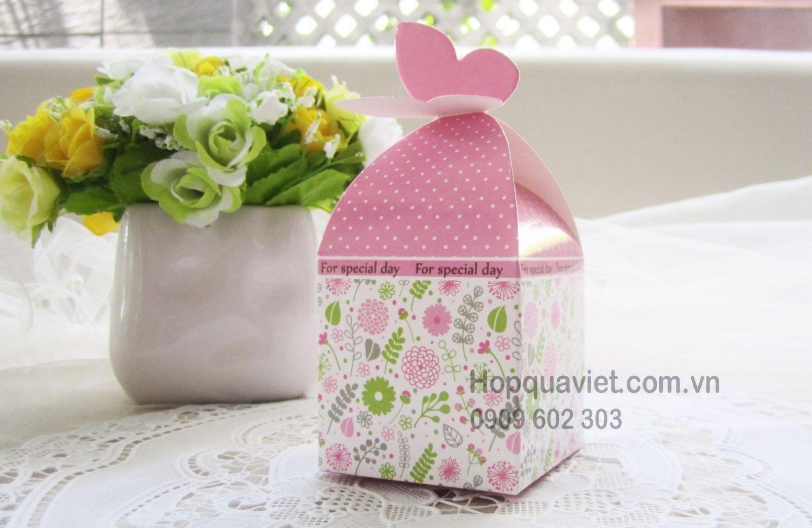 Hộp quà cưới cánh bướm hồng 3H