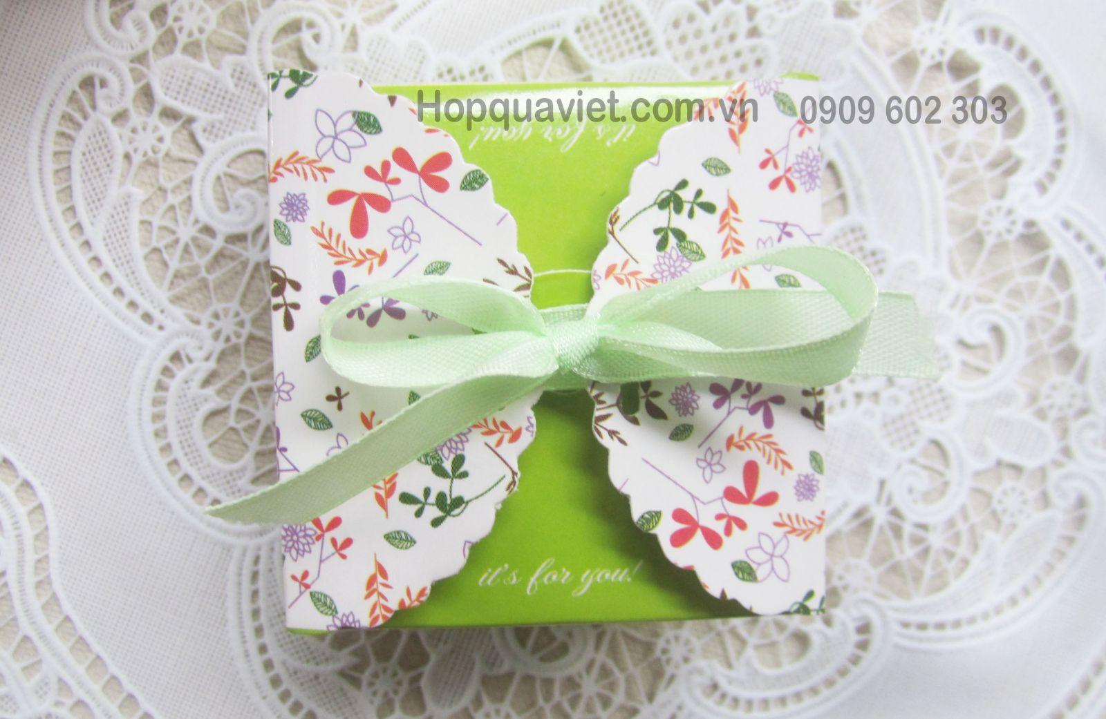 Hộp quà cưới xanh lá nơ 8V