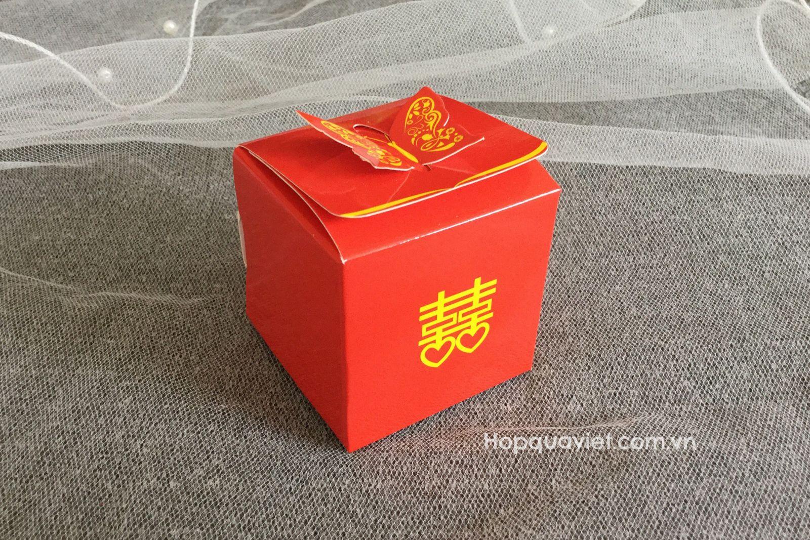Hộp quà cưới chữ hỉ bướm đỏ 16D